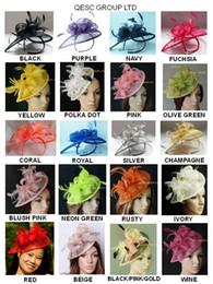 26 couleurs.Classic chapeau chaud de fascinateur de sinamay en forme spéciale avec des plumes pour l'église de fête de mariage du Derby du Kentucky