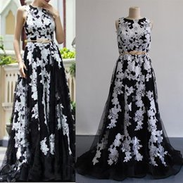 Images White Evening Dresses Canada - 2016 Lace Appliques Evening Dresses Black and White Jewel Real Images Sleeveless Elegant with Sweep Train with Belt Prom Gowns