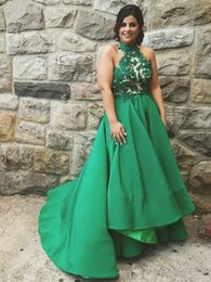 Vestidos Altos Y Bajos Verde Baratos-Emerald Green Black Girl Arica Party Prom Dresses 2018 High Neck Lace Una línea High Low Evening Homecoming Gown 8va graduación Formal Wear