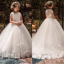 kids black floral dresses 2019 - 2018 Cute Ball Gown Flower Girls Dresses For Weddings Floral Appliqued Lace Little Kids First Communion Dress Cheap Page