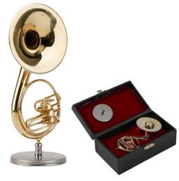 Venta al por mayor de Golden Mini Sousaphone Instrumento de música de tamaño pequeño Ornamento Modelo de música Miniatura Sousaphone Instrument Model Mejor regalo