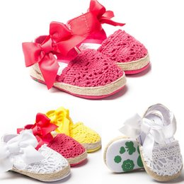 Chaussures Enfant Rose Rose Pas Cher-2016 Bows Chaussures de bébé First Walkers Soft Sole Summer Baby Girls Toddlers Mocassins Sandales pour bébés Fille Bébé Enfant Chaussures Blanc Rose Rose Rouge