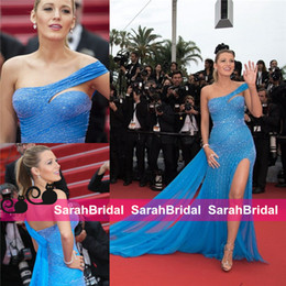 Barato Celebridade Baile Vestidos Blake Animado-Blake Lively Celebrity Split Sexy Evening Dresses em Cannes Gossip Girl 2016 Sexy Beading One Shoulder Sparkly Prom Gowns Long Party Wear
