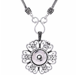 Chain Hollow Snake Silver NZ - noosa Hollow Flower Silver Pendant With Silver Chain necklaces 18mm button snaps jewelry necklaces pendants for women Jewelry