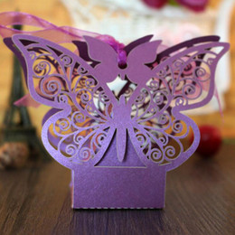Barato Caixas Do Favor Doces Da Borboleta-New Arrival Butterfly Hollow Paper Candy Boxes Gift Bags DIY Wedding Favor Baby Shower Boxes para Wedding Decoração Suprimentos