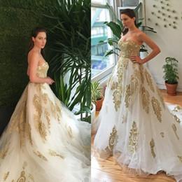 10dbc4a942 Impresionante vestido de novia de oro blanco y Champagne 2016 Una línea de  amor sin tirantes de colores Vestidos de novia Apliques de encaje romántico  con ...