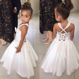 $enCountryForm.capitalKeyWord Canada - Cute White Flower Girls Dresses Spaghetti Straps Cross Lace-up Back Ball Gown Kids Prom Gowns Sleeveless Ruffle Communion Dress To Party