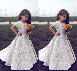flower girls short lace dresses Canada - 2018 Full Lace Flower Girl Dresses for Weddings Jewel Neckline Short Sleeves Custom Made Girls Pageant Gowns A-line Kid Birthday Party Dress
