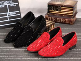 Fashionable Flat Shoes Laces Canada - 2017 new water drilling fashionable flat top casual men shoe stage runway show wedding dress shoes