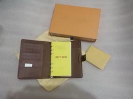 Venta al por mayor de Agenda de la cubierta del libro del negocio del cuaderno de la marca famosa del nuevo envío libre de alta calidad con la caja. tarjeta de papel