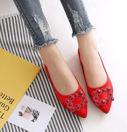 Discount elegant brides shoes - Wholesale and retail 2018 new Elegant Fashion wedding shoes flat red bride shoes rhinestone square buckle satin flat sho