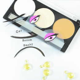 2pcs Perfect Cat Eye & Smokey Eye Makeup Eyeliner Models Template Top Bottom Eyeliner Card Auxiliary Tools Eyebrows Stencils wen4773