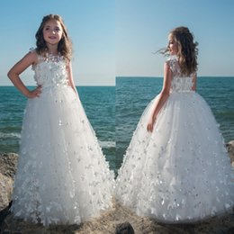 Barato Borboletas Apliques-Cheap Flower Girl Dresses para casamentos A Line Butterfly Applique Beads Bow Sash Comprimento do chão Tulle First Communion Dress Special Occasion