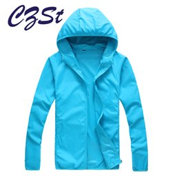 Vente En Gros Xxl Vêtements Femmes Pas Cher-Vente en gros-CZSt Outdoor Hiking Softshell Jacket Quick Drying Skin Windbreaker Protection solaire Vêtements Hommes Femmes Ultra-Thin Waterproof