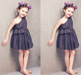 $enCountryForm.capitalKeyWord Canada - Cute Black One Shoulder Baby Party Dresses 2016 Short Flower Girl Dresses For Wedding Cheap Ruffles Children Formal Wear Evening Gowns