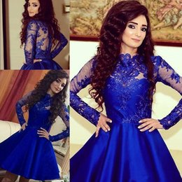 Barato Vestidos De Cetim De Cetim De Manga Comprida-Mangas compridas Royal Blue Cocktail Dresses Sheer Jewel Neck 2017 Appliques Satin Short Homecoming Vestidos Árabe Mhamad Said Prom Party Vestidos
