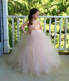 Barato Vestidos Baratos Do Natal Para Crianças-Lovely Flower Girls Dresses Pink Tulle 2017 Sash Baby Girl Aniversário Festa Christmas Princess Dresses Children Girl Vestidos de festa