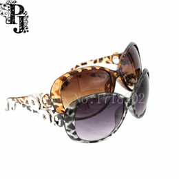 Glasses Sun Protection Canada - 5pcs lots New Fashion Mixed Retro Oval UV Protection Snap button Glasses Sunglasses Leopard print Glasses sun glasses SJSB1675
