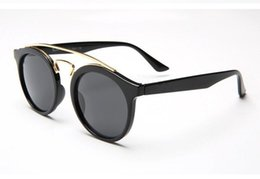 Couples sunglasses online shopping - Brand New men and women fashion sunglasses retro sunglasses round frame color film couples yurt With Original Box