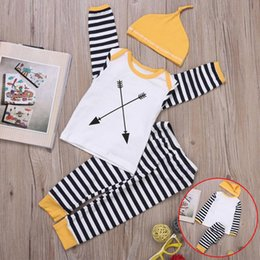 Barato Meninos Meninas Roupas-Newborn Baby Clothings Cute O-Neck Long Sleeve Stripes Baby Boys Girls define roupa Boy Shirt + Hat + Pants