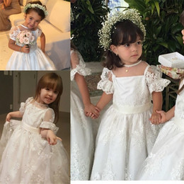 flower girls short lace dresses Canada - White Floor Length Princess Flower Girl Dresses Lace Appliques Sheer Trumpet Short Sleeves Girls Pageant Gowns Tulle Birthday Party Dress