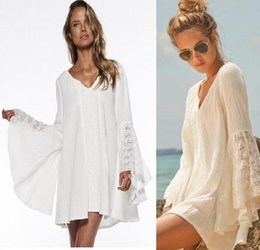Barato Vestido Vintage Xadrez Xl-2016 Branco / Bege V Neck Mulheres Vintage Hippie Boho Bell Sleeves Gypsy Festival Holiday Lace Mini Dress