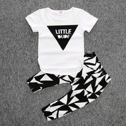 Barato Tutu Top Zebra Infantil-Little Dude Boys Confecção Set White T-Shirt Black Triangle Pantalto Trajes Algodão Infant Vestuário Vestuário Outfit Vestuário recém-nascido Tops 1 2 3 Anos