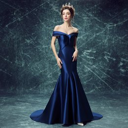 Barato Baile De Formatura Sexy-2016 New Luxury Fashion Royal Blue Satin Sexy Fishtail Evening Dress Bride Slim Banquet Off-the-shoulder Lace-up Long Prom Dress