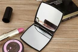 Venta CALIENTE con logotipo Espejo lateral plegable doble con caja de regalo espejo de maquillaje negro Estilo clásico portátil (Anita Liao)