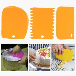 $enCountryForm.capitalKeyWord NZ - 3Pcs set Plastic Dough Knife Icing Fondant Scraper Jagged Edge Cake Spatula Baking Pastry Tools Plain Smooth Cake Paddle