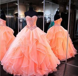 Barato Laranja Ruched Vestidos-2017 Glamorous Orange Sweetheart Quinceanera Vestidos para o doce 16 Princess Ball Gowns Ruffled Beading Floor Length Longantant