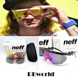 bd0277e770 Neff Gafas de sol Hombres Diseñador de la marca Sport Glasses Ciclismo Gafas  Gafas de Sol de Gran Marco con Embalaje 2 Lente Superstar Lebron James Gafas