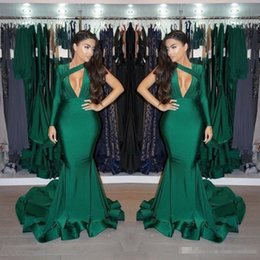 Barato Vestido Verde Escuro De Manga-Glamorous One Shoulder Long Sleeves Prom Dresses 2018 Dark Green Ruffles Long Evening Gowns Mermaid Party veste formal