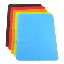 China 40x30cm Silicone Mats Baking Liner Best Silicone Oven Mat Heat Insulation Pad Bakeware Kid Table Mat cheap wholesale eco mat suppliers