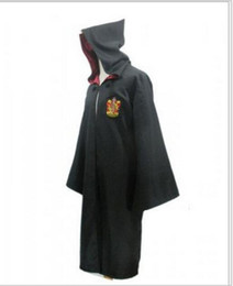 Barato Harry Potter Cosplay Adultos-Roupas de festa de Halloween Traje Cosplay Harry Potter Gryffindor Slytherin Hufflepuff Ravenclaw Capa robe mágico Crianças Adulto