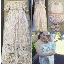 $enCountryForm.capitalKeyWord Canada - Fast Shipping Lace Christening Gowns For Baby Girls Long Sleeves Appliqued Baptism Dresses With Bonnet First Communication Dress