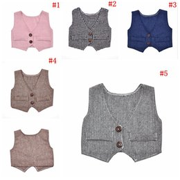 Barato Coletes Para Casamentos-Newborn Waistcoat Photography Vest Toddler Gentleman Costumes Baby Weddings Suit Vest Formal Vests Tops 5 cores 100pcs OOA2599