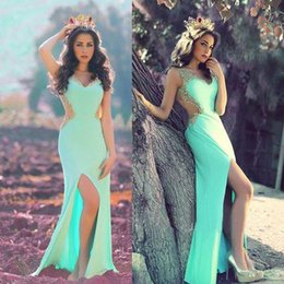 Barato Vestidos De Formatura Promocionais On-line-Mint Green 2017 Jade Long Sheath Prom Dresses Beaded Split High Backless Party Gowns Online On-line