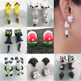 Animal Handmade Canada - New Womens Jewelry Accessories cartoon cat Handmade Fox cat Cartoon hand ear hanging Earrings earrings Animal Cat Polymer Clay Earrings