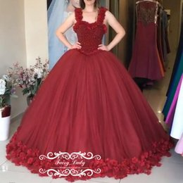 Les Mains Des Filles Sexy Pas Cher-2018 Girls Sweet 16 Pageant Robes Quinceanera Bling Beading Cristal Made Made Flowers Appliques Rouge Tulle Long Ball Gown Prom Dress Formal