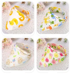 Chiffons De Style Camouflage Pas Cher-Popular Baby Feeding Bib Burp Tissu Triangle Coton Snap Fastener Épaissir Enfant Enfants Double Couches Pinny Star Animal Neckerchief Blanc