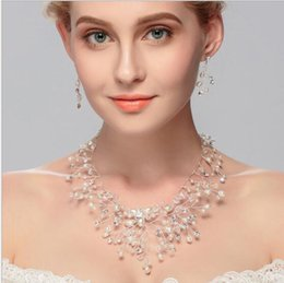 Gold 18k Shop Australia - Fast Shopping!!2016 Sweet bride jewelry suit the bride earrings + necklace wedding dress accessories Jewelry Sets 3set lot