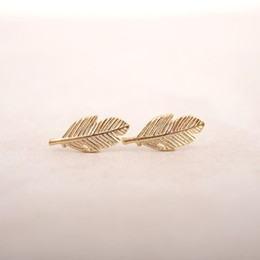 $enCountryForm.capitalKeyWord Canada - Wholesale New Fashion Gold Silver Rose Gold Plated Trendy Fallen Leaves Studs Earrings for Women Simple Women Feather Earrings Jewelry