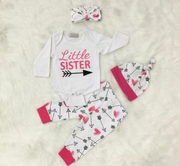 Venda Del Juego Del Mameluco Baratos-2017 Girls Baby Clothing Sets Little Sister Rompers Pants Headbands Cap 4 Unids Conjunto de Algodón Niño Romper Boutique Infant Onesies Trajes de Ropa