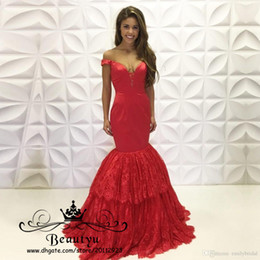 Barato Festa De Espartilho-Red Nigerian Lace Mermaid Prom Dresses Long Deep V Neck Off Ombro Corset Tiered Skirt Party Evening Gowns 2018 Arabic Vestidos De Fiesta