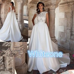 Barato Detalhada Volta Casamento Vestidos De Noiva-Milla Nova 2016 Vestidos de noiva para Western Styling Brides Venda Cheap Lower Back Detail Lace Top and Pockets Long Satin Skirt Bridal Gowns