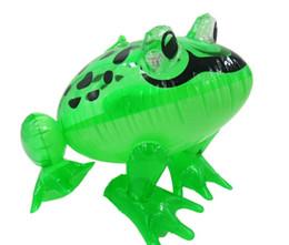LED aufblasbare Kinder Spielzeug aufblasbares Tier Frosch im Freien Baby-Schwimmen-Pool Spielzeug 28x29x36cm Größen großen PVC-Material Kinder spielen freies Verschiffen im Angebot