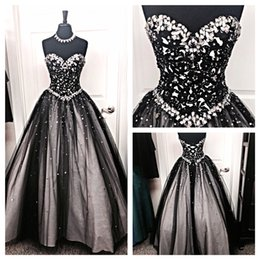 Barato Laço De Tule Branco Vestido Preto-2017 New Black White Tulle Vestido de baile Vestidos de noite Crystal Beaded Rhinestones A Line Lace Up Prom Dresses Long Runway Red Carpet Dresses