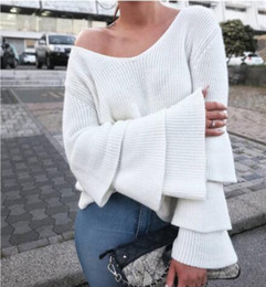Ladies Knit Ponchos Pas Cher-2017 nouvelles femmes pulls tricotés pulls mode sexy deep v long flare manches poncho pull ladies knitted jumper tops