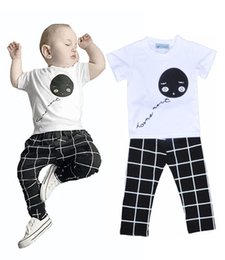 Chemises À Carreaux Pour Enfants En Gros Pas Cher-Vente en gros INS Boys Girls Baby Vêtements pour enfants Vêtements Ensembles de vêtements pour enfants T-shirts à ballon Plaid Harem Pants Set Boutique Vêtements